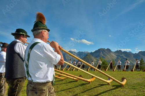 Fotografia Konzert mit Alphorn im Gebirge