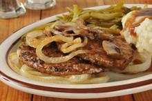 Salisbury Steak With Onions