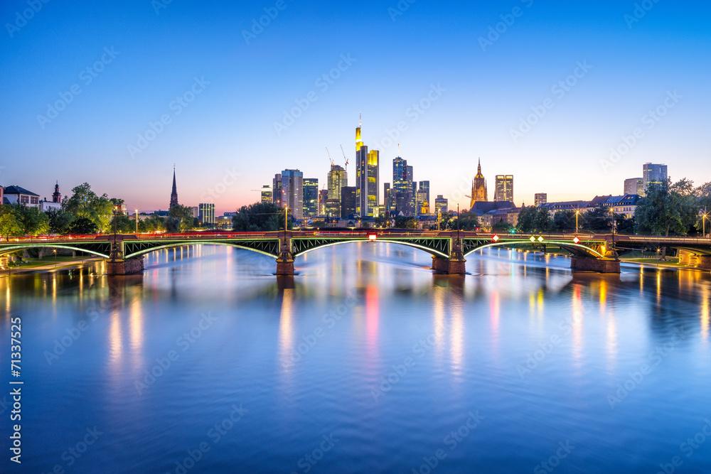 Fototapety, obrazy: Frankfurt Skyline bei Nacht