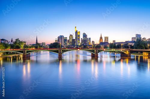 Fototapeta Frankfurt Skyline bei Nacht obraz