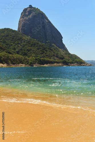 Mountain Sugarloaf empty red beach blue sea, Rio de Janeiro Fototapete