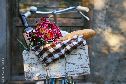 Aluminium Prints Bicycle Bicycle with picnic snack in wooden box