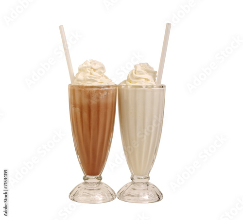 Photo sur Toile Lait, Milk-shake Milk shakes isolated on white
