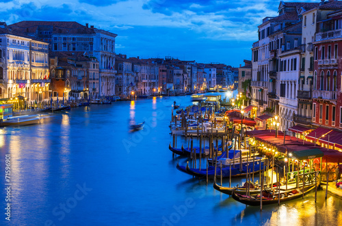 Cadres-photo bureau Venice Night view of Grand Canal with gondolas in Venice. Italy