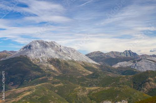 Pico Espigüete y Curavacas al fondo. Montaña Palentina.