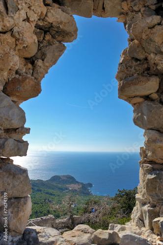 Fotografie, Obraz  Вид на море через каменное окно