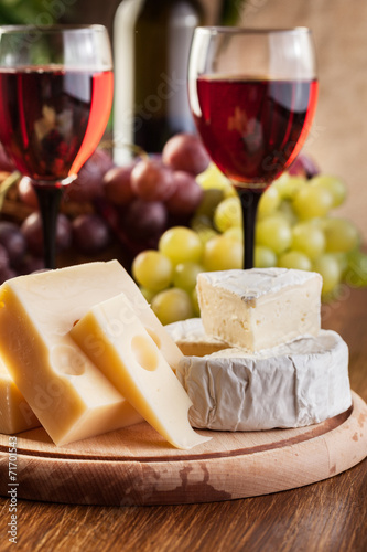 Fototapety, obrazy: Cheese with a bottle and glasses of red wine