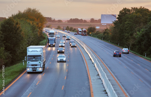 Foto Highway with cars and Truck