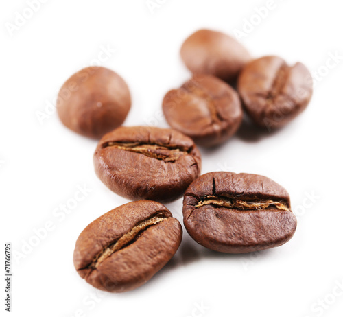 Poster Café en grains Coffee beans isolated on white