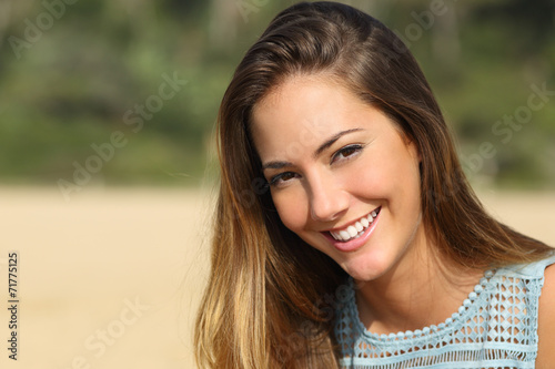 Fototapety, obrazy: Woman with a white teeth smiling