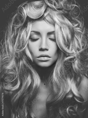 Plakat na zamówienie Beautiful blond woman portrait