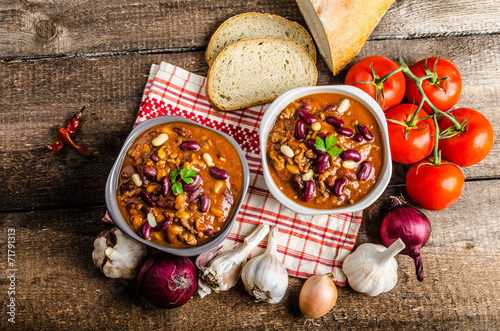 Photo  Homemade chilli con carne, bio bread