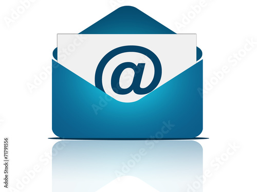 Fotografía  Email message with envelope