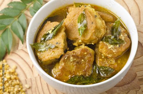 Fotografie, Obraz  Mělké vypálil vadai kari, společné jídlo v Indii
