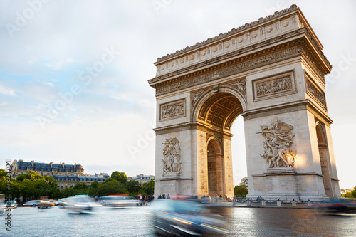 Spoed Foto op Canvas Parijs Arc de Triomphe in Paris afternoon