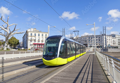 Cuadros en Lienzo  Yellow tram an the street of Brest, France