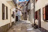 Fototapeta Uliczki - Sardegna, Tonara in provincia di Nuoro, strada nel centro