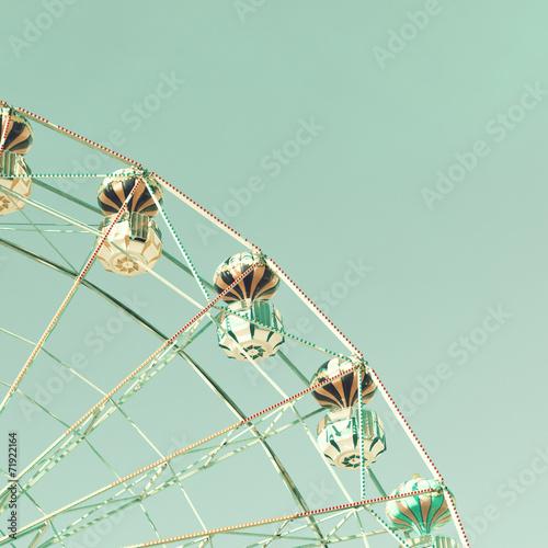 Papiers peints Attraction parc Vintage ferris wheel in an amusement park