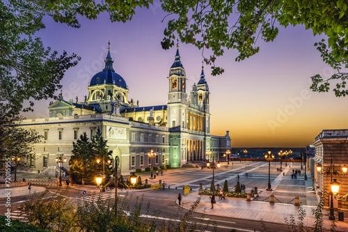 Spoed Fotobehang Madrid Almudena Cathedral of Madrid, Spain