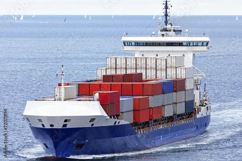 kontenerowiec-na-morzu-baltyckim-w-poblizu-kilonii