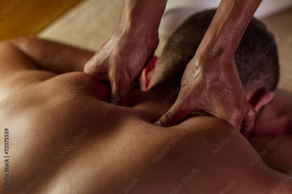 Fototapety, obrazy: Deep tissue massage