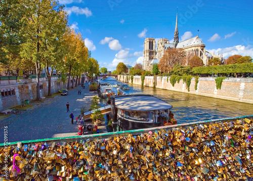 Photo Notre dame de Paris vue du pont de l'archevêché