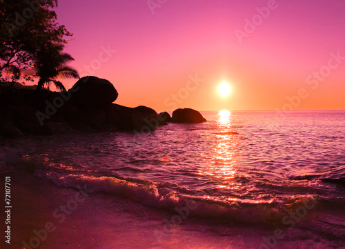 Foto op Aluminium Candy roze Rocks Morning Sunrise