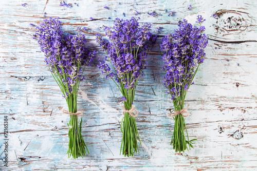 Obraz Fresh lavender on wood - fototapety do salonu