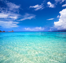 Tropical Turquoise Bay And Blu...