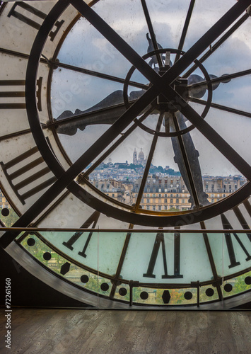 zegar-w-muzeum-orsay-w-paryzu