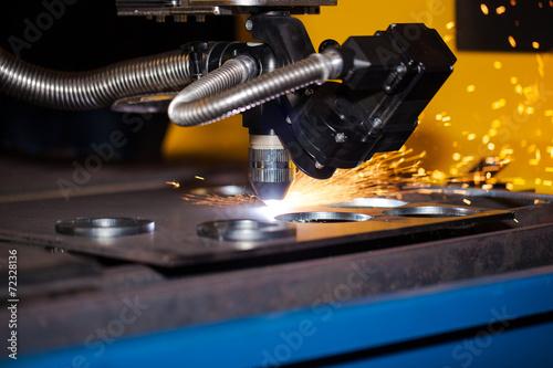 Fotografía  Industrial cnc plasma cutting machine