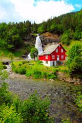 Fototapeta na wymiar waterfall in norway