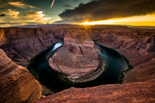 Golden Hour Of Horse Shoe Bend