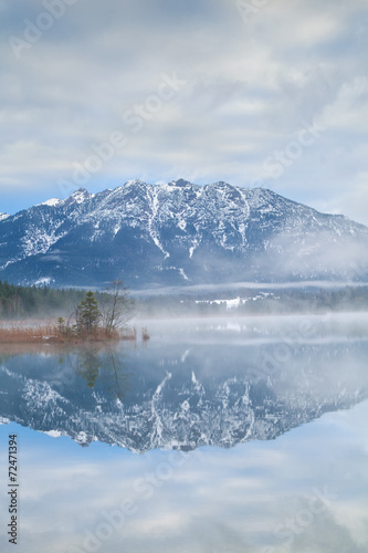 Fotobehang Reflectie Karwendel Alps reflected in Barmsee