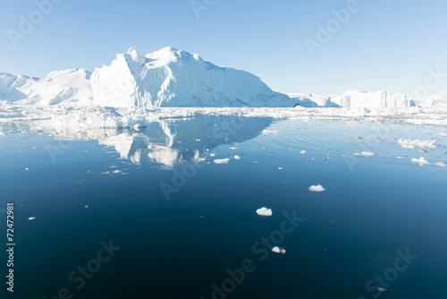 Photo Stands Arctic Beautiful Iceberg