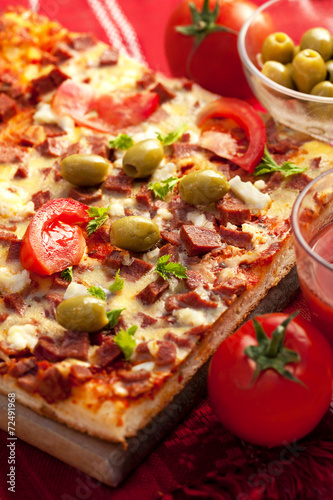 Fototapety, obrazy: Pizza with tomato, salami and olives