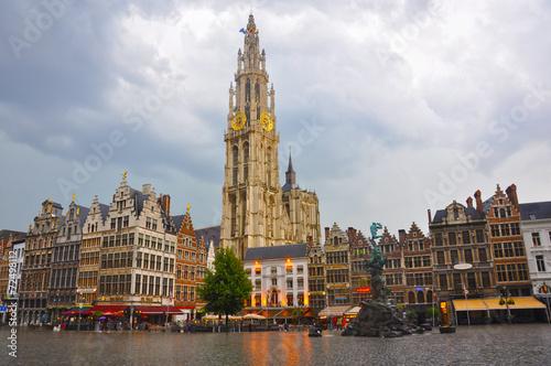 Poster Antwerp Amberes, Antwerpen, Gran Plaza Mayor, día lluvioso