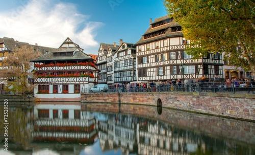 Ville sur l eau La Petite France à Strasbourg au coucher de soleil