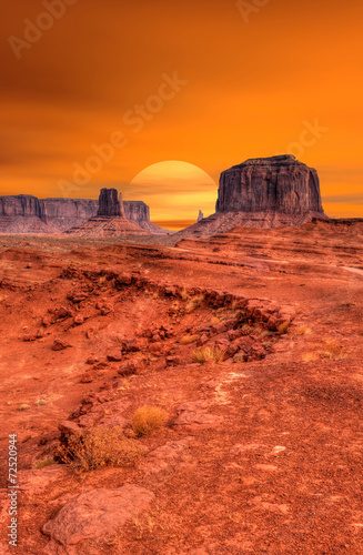 Photo  Sunset Monument Valley