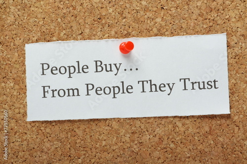 Fotografía  People Buy From People They Trust Reminder Message