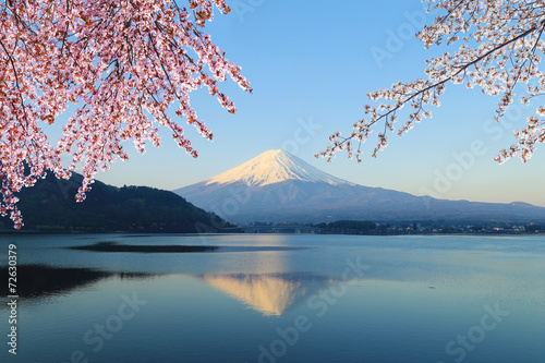 Photo  Mount Fuji, view from Lake Kawaguchiko