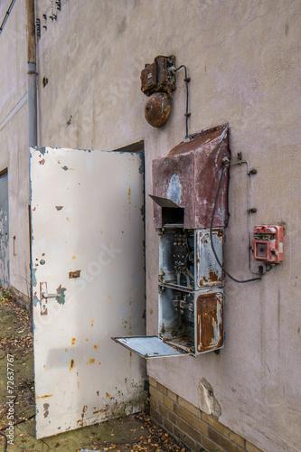 Fototapety, obrazy: DDR Fabrik Tür