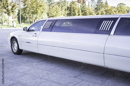 Photographie  White limousine