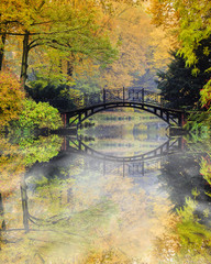 Fototapeta Romantyczny Autumn - Old bridge in autumn misty park
