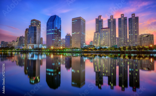 Foto op Plexiglas Texas Building with Reflection in Bangkok