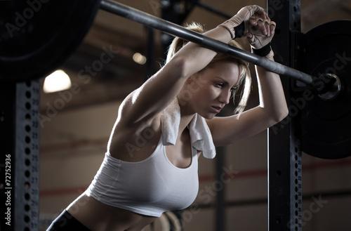 Fotografia  Woman training at crossfit center