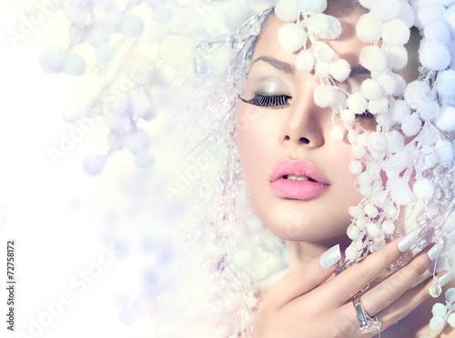 Obraz w ramie Winter Beauty. Beautiful Fashion Model Girl with Snow Hairstyle