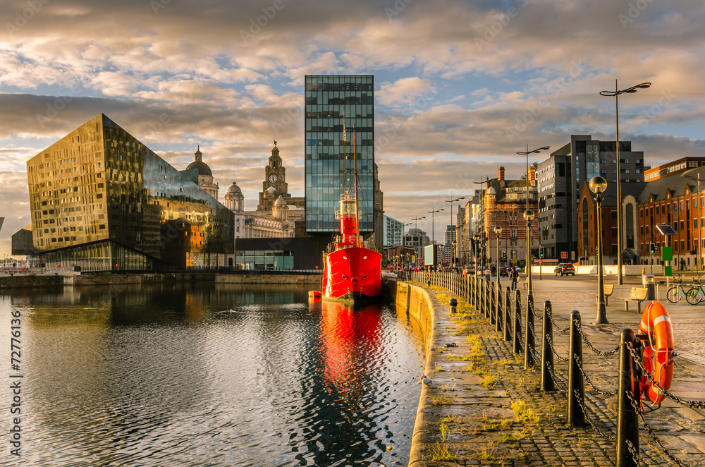 Fototapety, obrazy: Liverpool Waterfront at Sunset