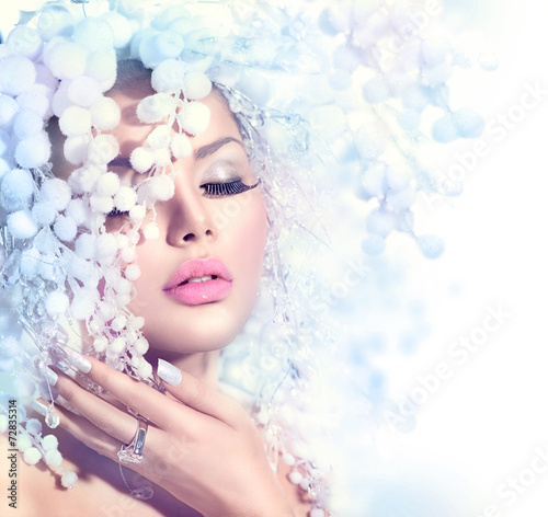 Fototapety, obrazy: Winter Beauty. Beautiful Fashion Model Girl with Snow Hairstyle