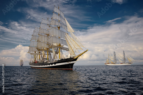 Sailing vessel. Collection of ships and yachts © Alvov